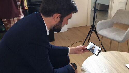 Interview de M. Rémi CARDON, le plus jeune sénateur de France